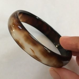 Natural leopard pattern agate bangle
